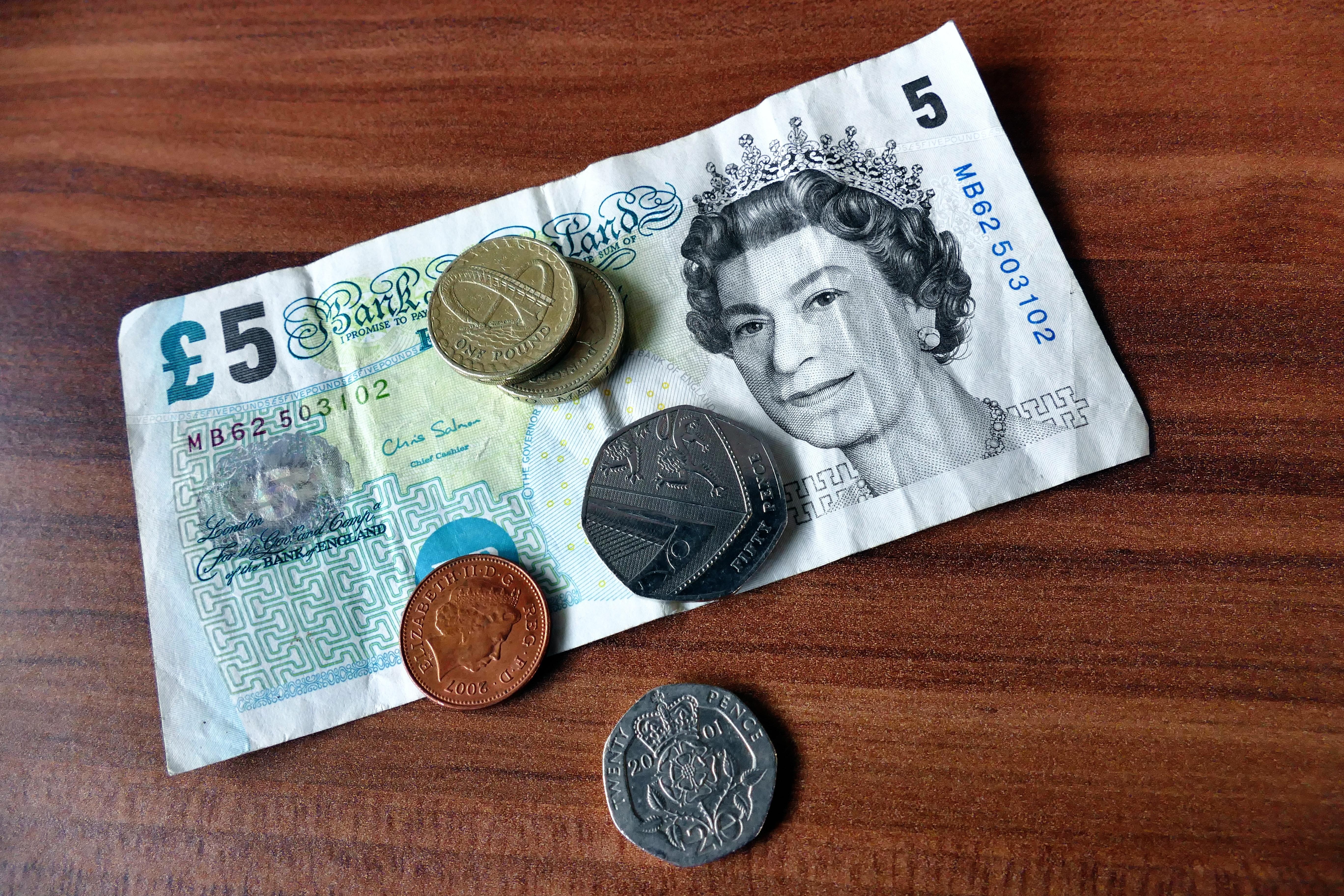 bank-notes-bills-cash-commerce-139050